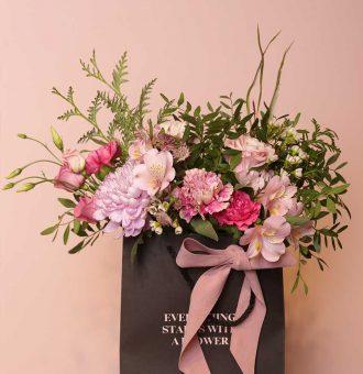 pequena-flower-bag-en-tonos-rosas-absolutaflora-01